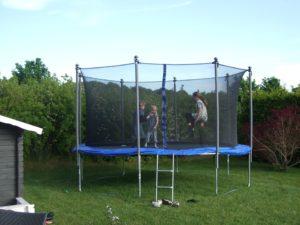 jaka trampolina ogrodowa